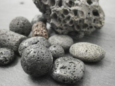 bijoux en pierre de lave