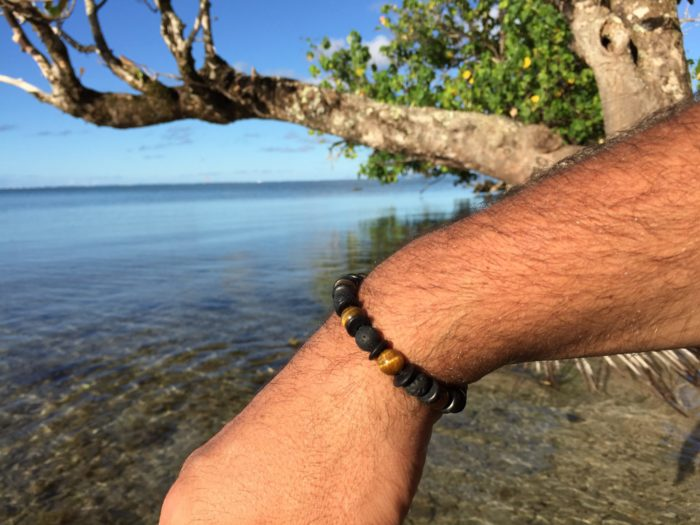 Bracelet Homme pierres de Lave et pierres oeil de tigre et bois de noix de coco